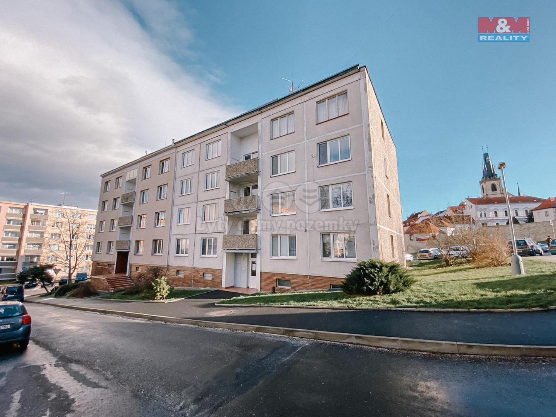 Prodej bytu 2+1, 68 m², OV, Louny, ul. nám. Petra Obrovce