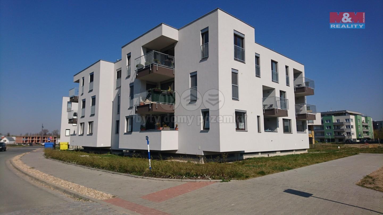 Pronájem bytu 2+kk, 55 m², Hradec Králové, ul. Pod Svahem