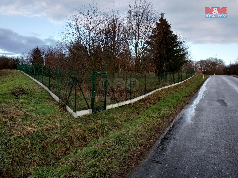 Prodej pozemku k bydlení v Běrunicích - Vlkov nad Lesy