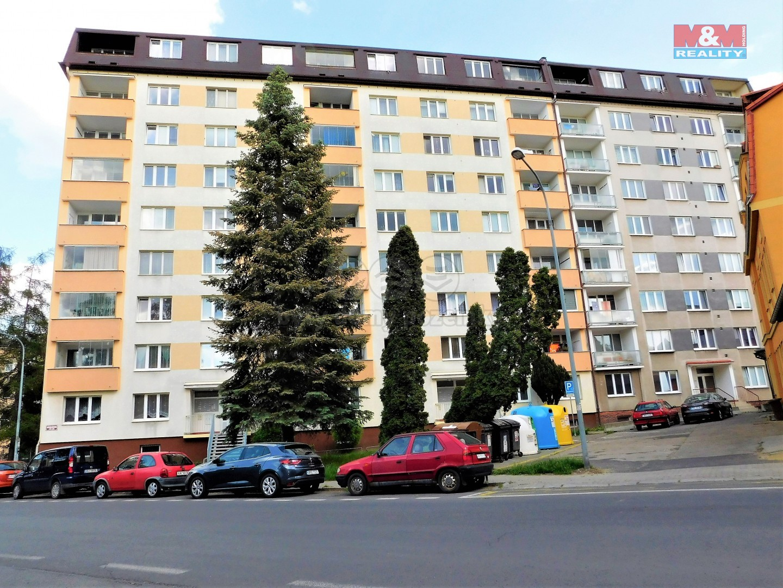 DUM DSCN0383.jpg (Pronájem bytu 4+1, 84 m², Karlovy Vary, ul. Svobodova), foto 1/20