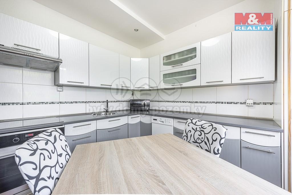 Prodej bytu 4+1, 82 m², DV, Klášterec nad Ohří, ul. Dlouhá