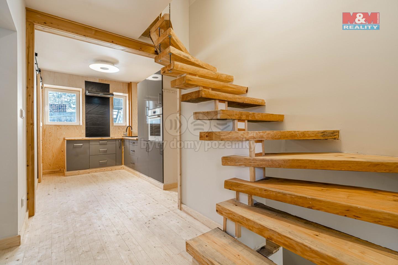 Prodej rodinného domu, 5+1, 110 m², Pochvalov