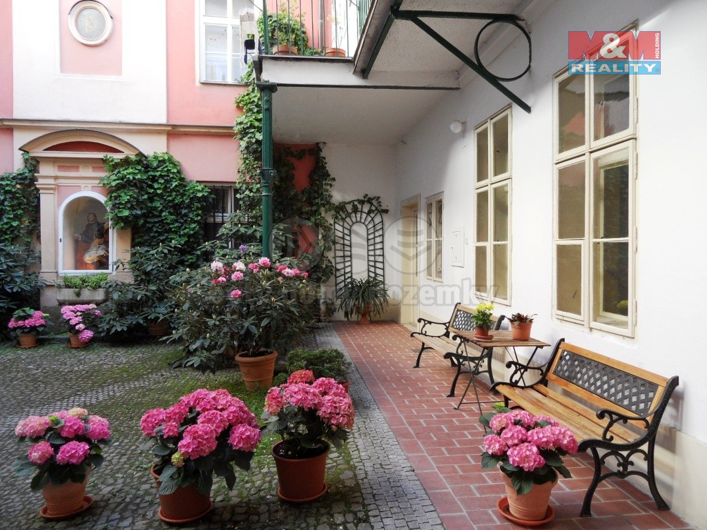 Pronájem bytu 1+1, 35 m², Praha, ul. Liliová