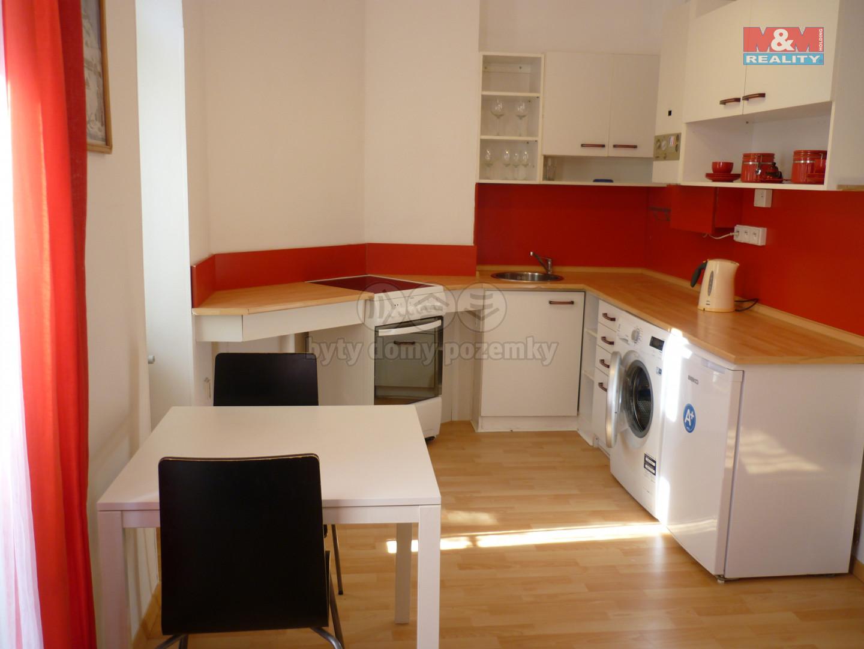 Pronájem bytu 1+kk, 35 m², Praha, ul. Vinohradská