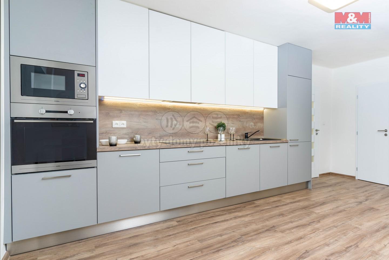 Prodej bytu 3+1, 156 m2, Černilov