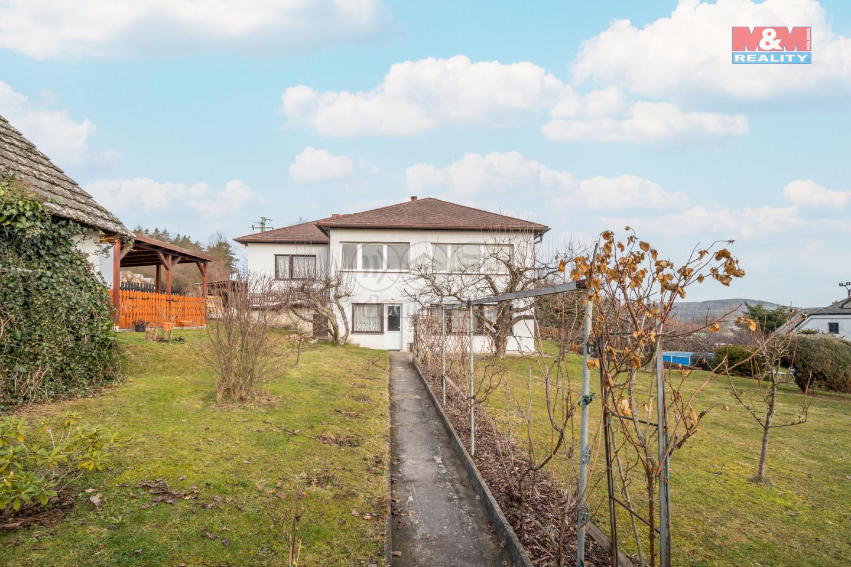 Prodej dvougeneračního rodinného domu 6+2, 991 m2, Cerhovice