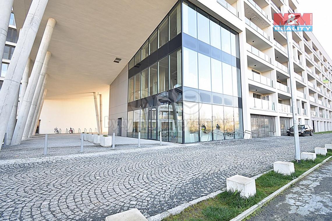 Pronájem bytu 2+kk v Praze, ul. U Mlýnského kanálu