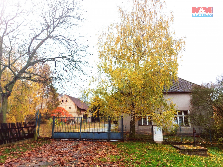 Prodej rodinného domu s provozním areálem, 2401 m², Zavidov