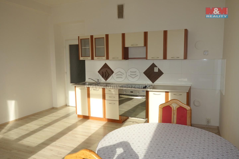 Pronájem bytu 2+kk, 55 m², Hradec Králové, ul. Břetislavova