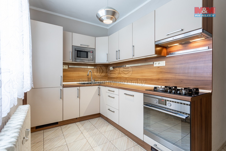 Prodej bytu 4+1, 72 m², Chodov, ul. Říjnová