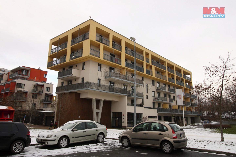 Pronájem bytu 2+kk, 45 m², Praha + 10m² terasa + gar. stání