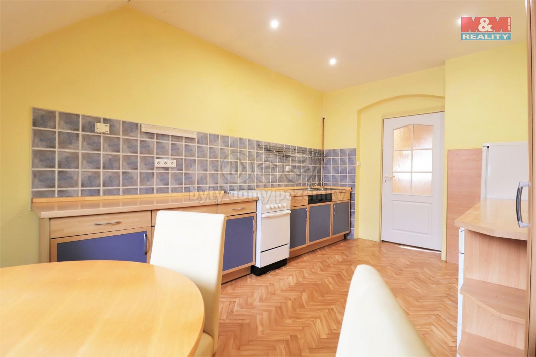 Prodej bytu 4+1, 97 m², Karlovy Vary, ul. Raisova