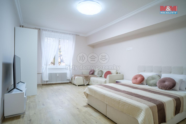 Prodej bytu 1+1 v Karlových Varech, 41 m2, ul. Jateční
