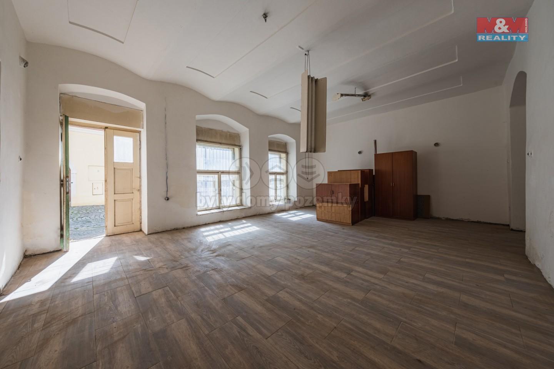 Prodej nájemního domu, 539 m², Načeradec, ul. Zámecké náměstí