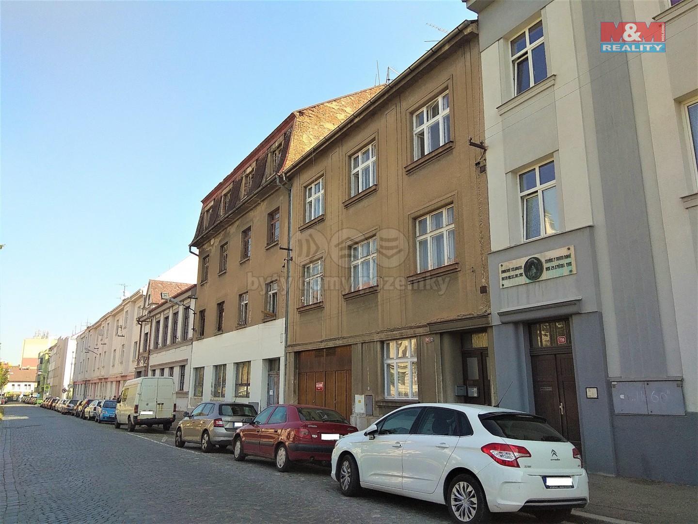 Pronájem bytu 3+1, 91 m², Benešov, ul. Husova
