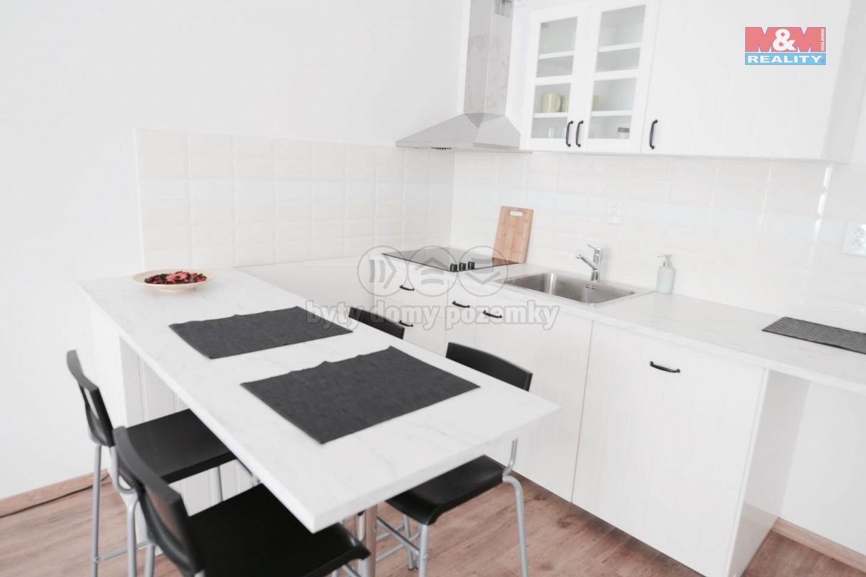 Pronájem bytu 3+1, 89 m², Praha