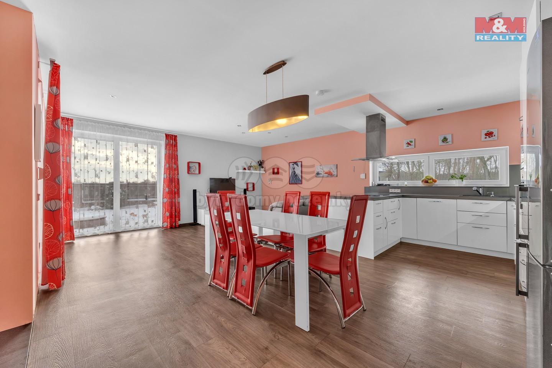 Prodej rodinného domu, pozemek 1040 m2, obec Semice