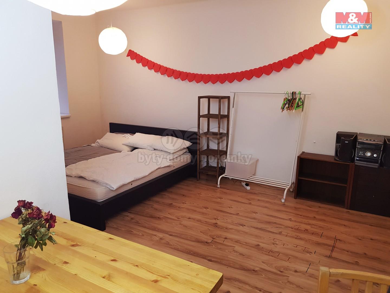 Pronájem bytu 2+1, 60 m², Praha, ul. Jeremenkova