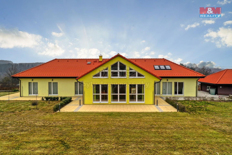 Prodej luxusního rodinného domu, 8 738 m², Všeruby
