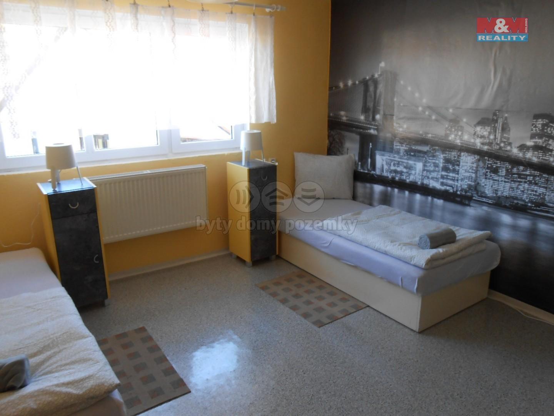 Pronájem nájemního domu, 150 m², Krupá
