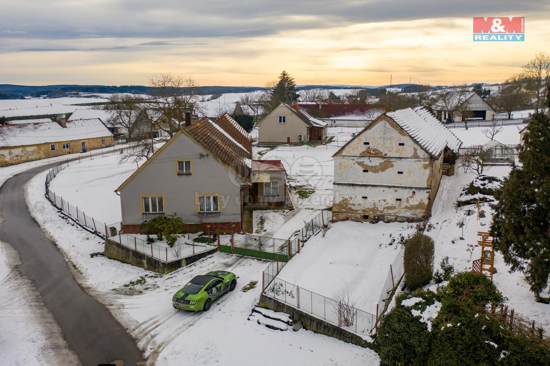Prodej rodinného domu, 4112 m², Měcholupy