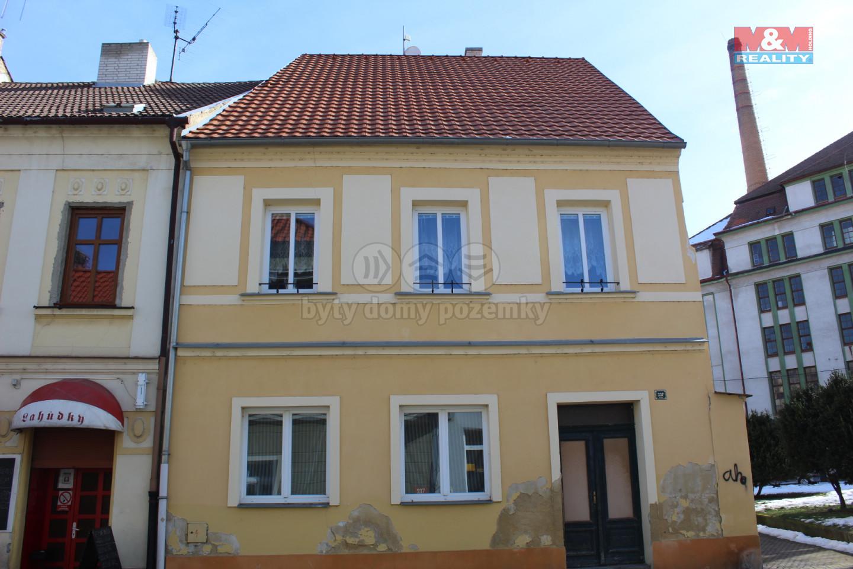 Prodej podílu 1/2 rodinného domu v Žatci, ul. Masarykova