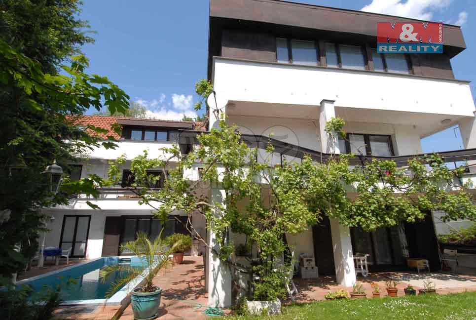 Pronájem bytu 1+kk, 72 m2, Pod Ateliéry, Praha 5 Hlubočepy