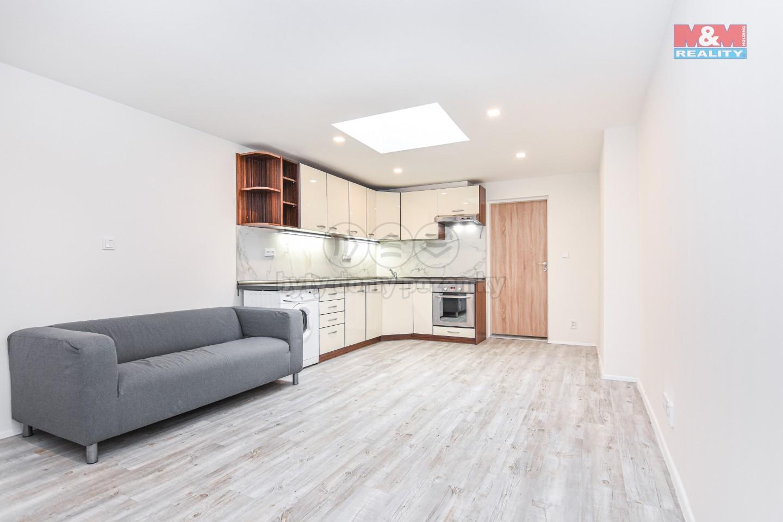 Pronájem bytu 2+kk, 42 m2, Liberec, ul. Generála Svobody