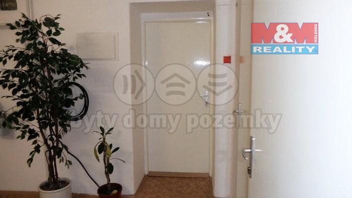Pronájem bytu 1+1, 35 m², Rakovník, ul. Husovo náměstí