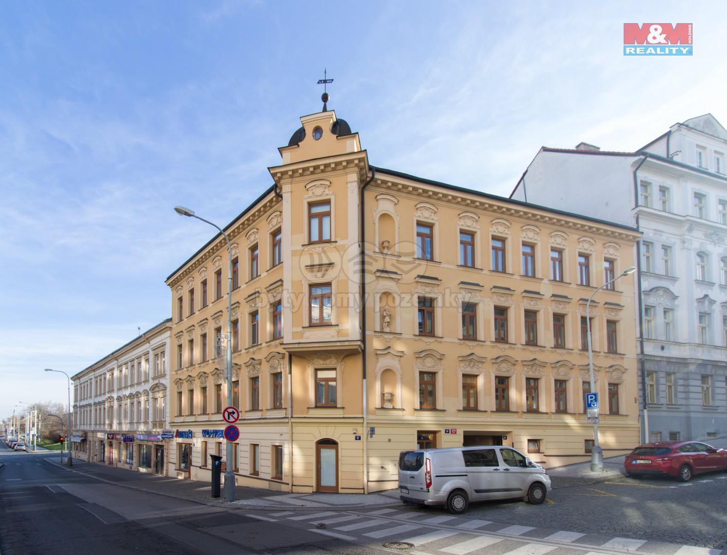 Pronájem bytu 2+kk, 45 m2, Praha - Břevnov