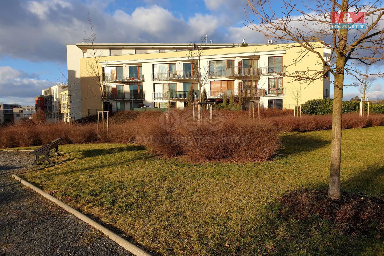 Pronájem, byt 1+kk, 38 m², Praha 5, garážové stání