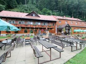 Prodej hotelu, penzionu, 12136 m², Spálov