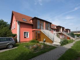 Prodej bytu 3+kk, 64 m², Holubice