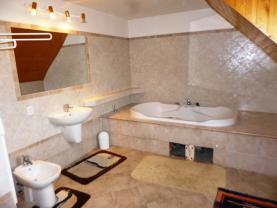 P1220305 (Prodej, rodinný dům 8+2, 320 m2, Dačice - ul. Soustružnická), foto 3/29