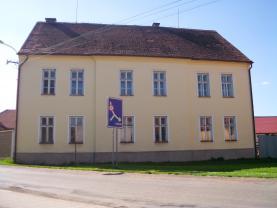 Prodej, rodinný dům, 13 + 1, 2227 m2, Milostín