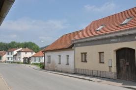 Prodej, rodinný dům 2+1, 513 m2, Březina u Tišnova
