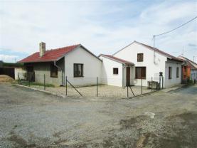 Prodej, rodinný dům 3+1, 1280 m2, Syrovice