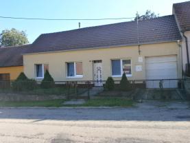 Prodej, rodinný dům 4+1, 310 m2, Čučice