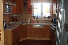 Prodej, rodinný dům 4+1, 375 m2, Popůvky u Brna