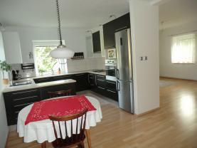 Kuchyně s obývacím pokojem (Prodej, rodinný dům, 123 m2, Perštejn, ul. Hlavní), foto 2/48