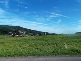 Pohled z pozemku do krajiny v létě (Prodej, stavební pozemky, 8121m2, Volfartice), foto 4/6