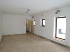 DSCN1344 (Pronájem, obchod, 50 m2, Mariánské Lázně, ul. Hlavní třída), foto 2/11