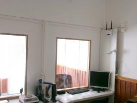 za okny místnost pro klienty (Pronájem, obchod a služby, 68 m2, Ostrava - Mariánské Hory), foto 3/12