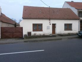 Prodej, rodinný dům 3+1, 1188 m2, Horní Dubňany