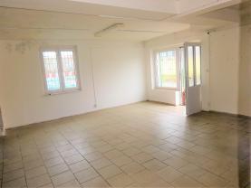 Prodej, obchodní prostory, 118 m2, Chrášťany u Českého Brodu