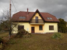Prodej, rodinný dům 5+1, 843 m2, Holice, ul. Bratří Čapků