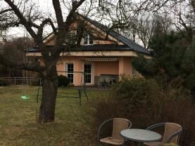 House, Opava, Dobroslavice