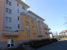 Pronájem, byt 1+kk, 28 m2, Pardubice, ul. Pod Studánkou