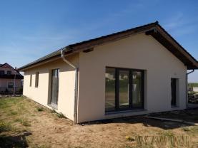 Prodej, rodinný dům 4+kk, 217 m2, Sulice