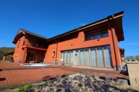 Prodej, rodinný dům 6+1, 290 m2, Pětihosty